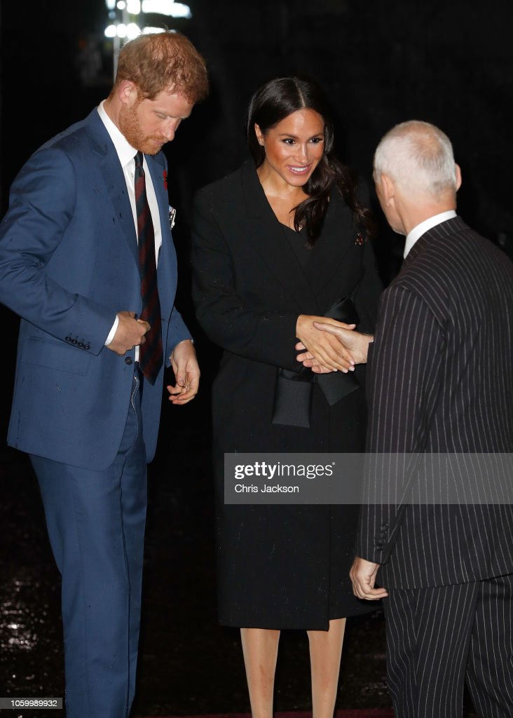 CASA REAL BRITÁNICA - Página 78 Prince-harry-duke-of-sussex-and-meghan-duchess-of-sussex-attend-the-picture-id1059989932