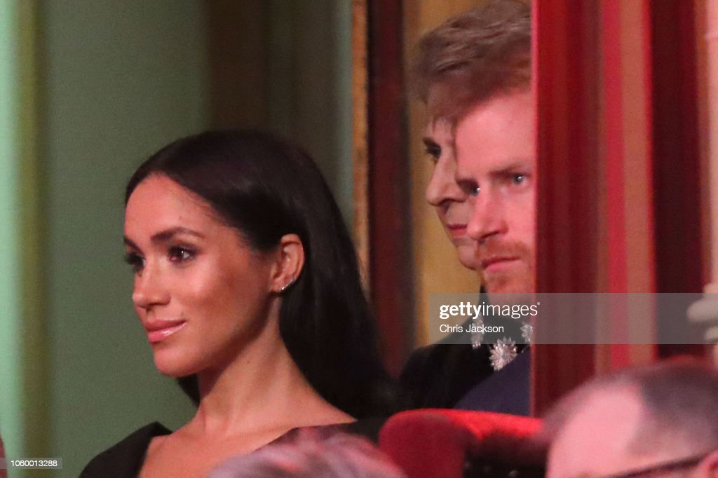 CASA REAL BRITÁNICA - Página 79 Prince-harry-duke-of-sussex-and-meghan-duchess-of-sussex-attend-the-picture-id1060013288