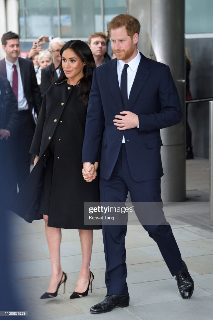 The Duke And Duchess Of Sussex Sign A Book Of Condolence At New Zealand House : Foto di attualità