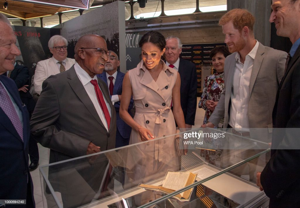 The Duke & Duchess of Sussex Visit The Nelson Mandela Centenary Exhibition : News Photo