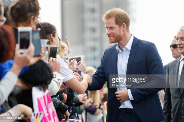 Prince Harry Duke of Sussex greeting fans along the street during 'Walkabout' on October 30 2018 in Auckland New Zealand The Duke and Duchess of...