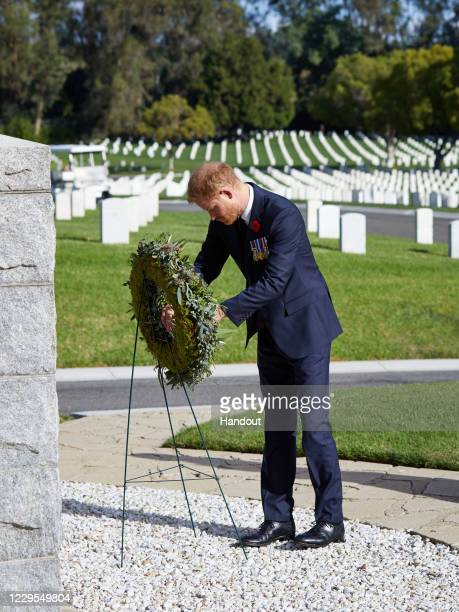 Prince Harry, Duke of Sussex lays a wreath at Los Angeles National Cemetery on Remembrance Sunday on November 8, 2020 in Los Angeles, California.