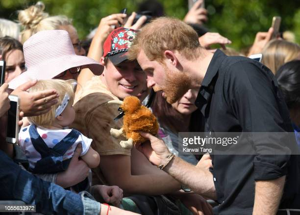 Prince Harry Duke of Sussex meets members of the public on a walkabout on October 31 2018 in Rotorua New Zealand The Duke and Duchess of Sussex are...