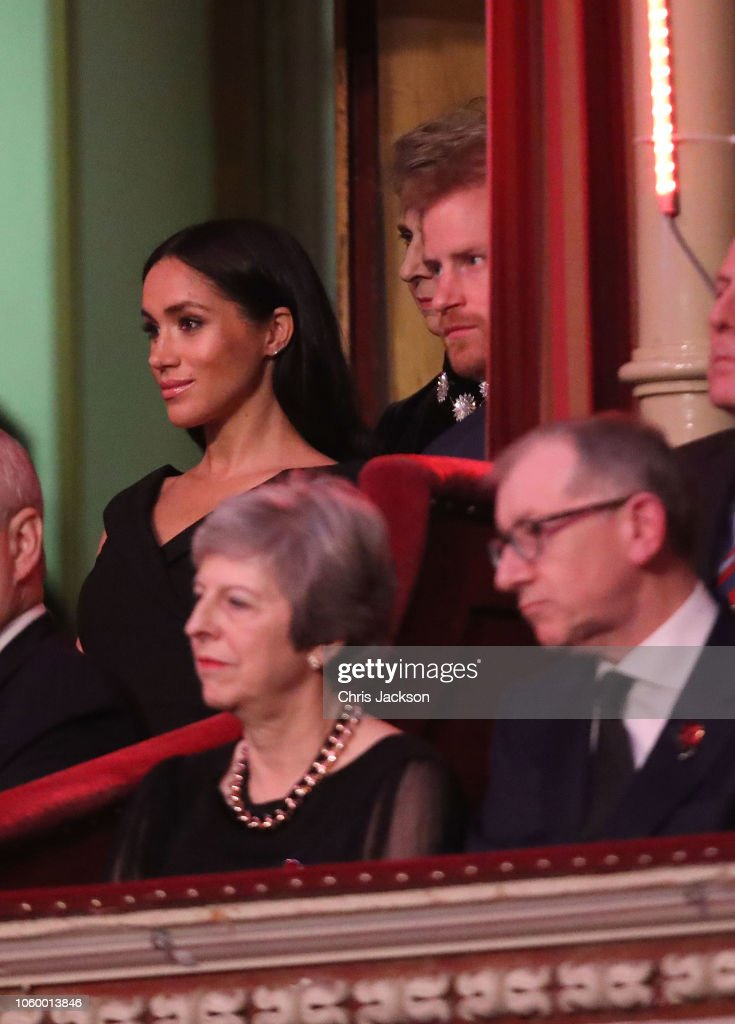 CASA REAL BRITÁNICA - Página 79 Prince-harry-duke-of-sussex-meghan-duchess-of-sussex-with-prime-may-picture-id1060013846