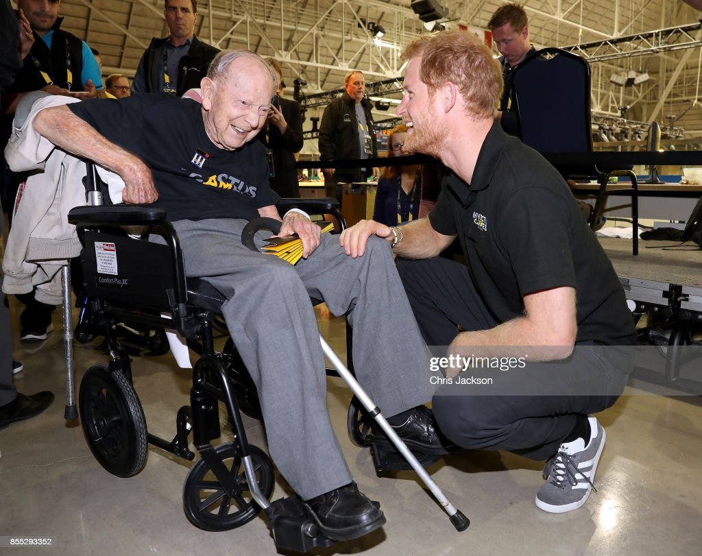 Prince Harry meets 102 year old WW2 veteran Norm Baker at the Invictus Games 2017 on September 28, 2017 in Toronto, Canada