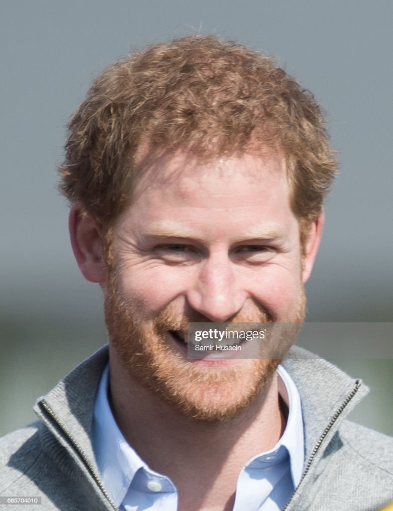 Prince Harry Visits Bath With Invictus Games : ニュース写真