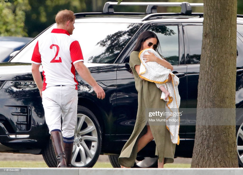 The Duke Of Cambridge And The Duke Of Sussex Take Part In The King Power Royal Charity Polo Day : Foto jornalística