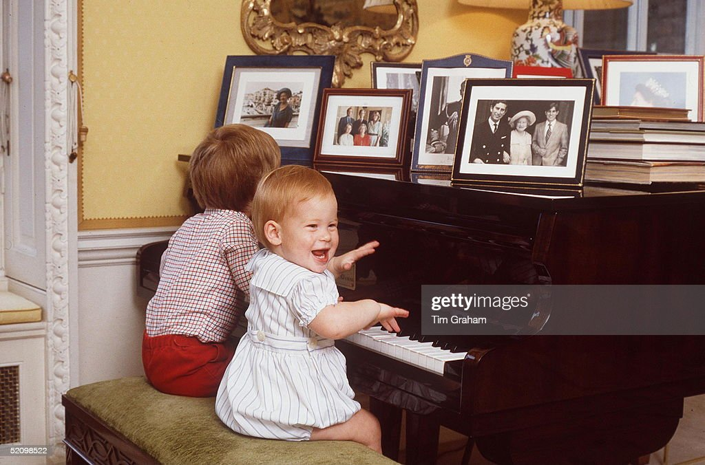 Harry Piano At Home : News Photo