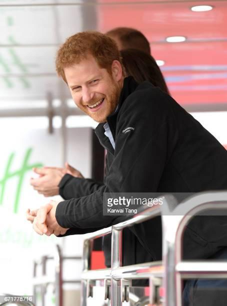 Prince Harry starts the 2017 Virgin Money London Marathon on April 23, 2017 in London, England.