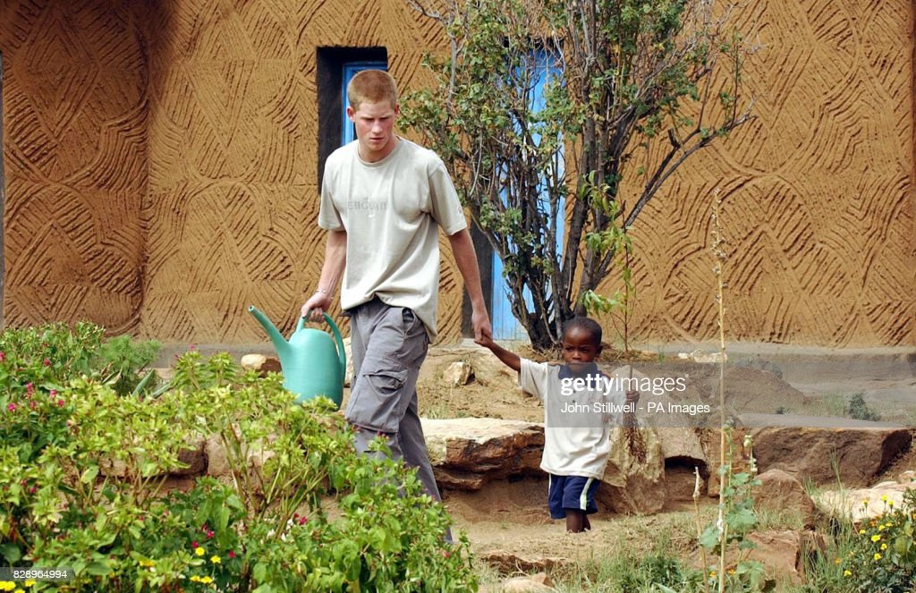 Prince Harry at the Mants'ase Children's Home - Mohale's Hoek : News Photo