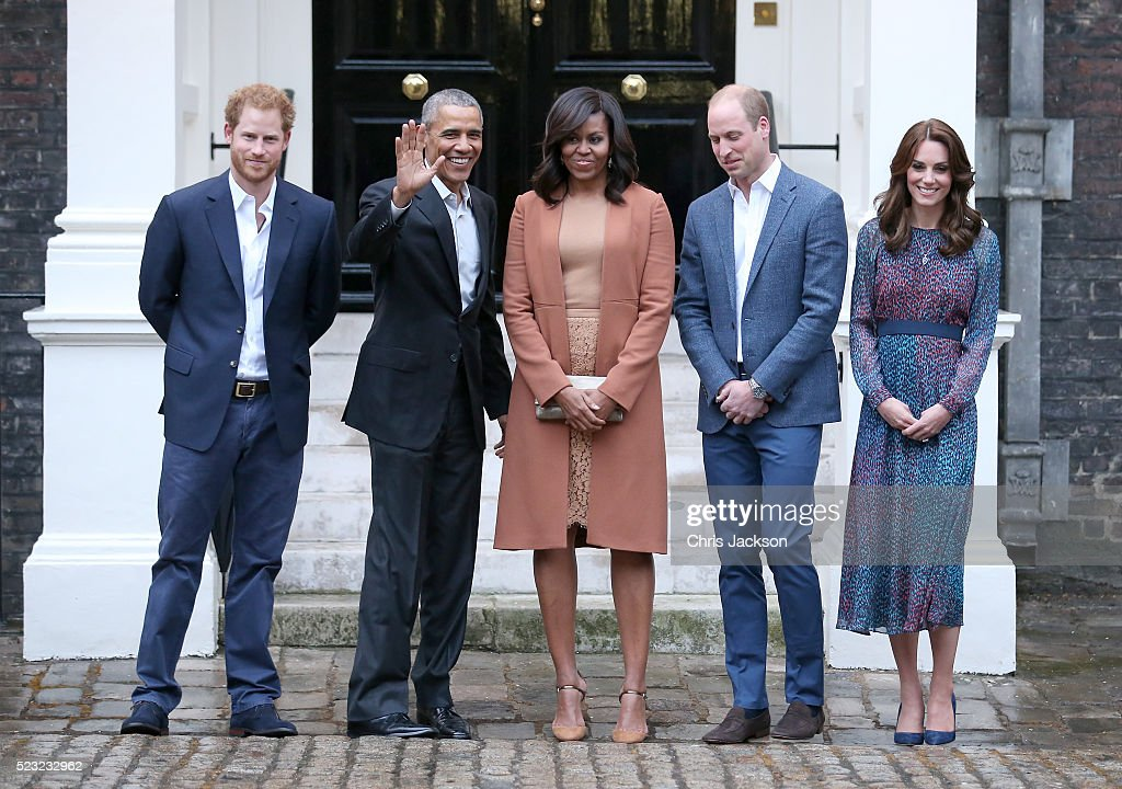 The Obamas Dine At Kensington Palace : News Photo