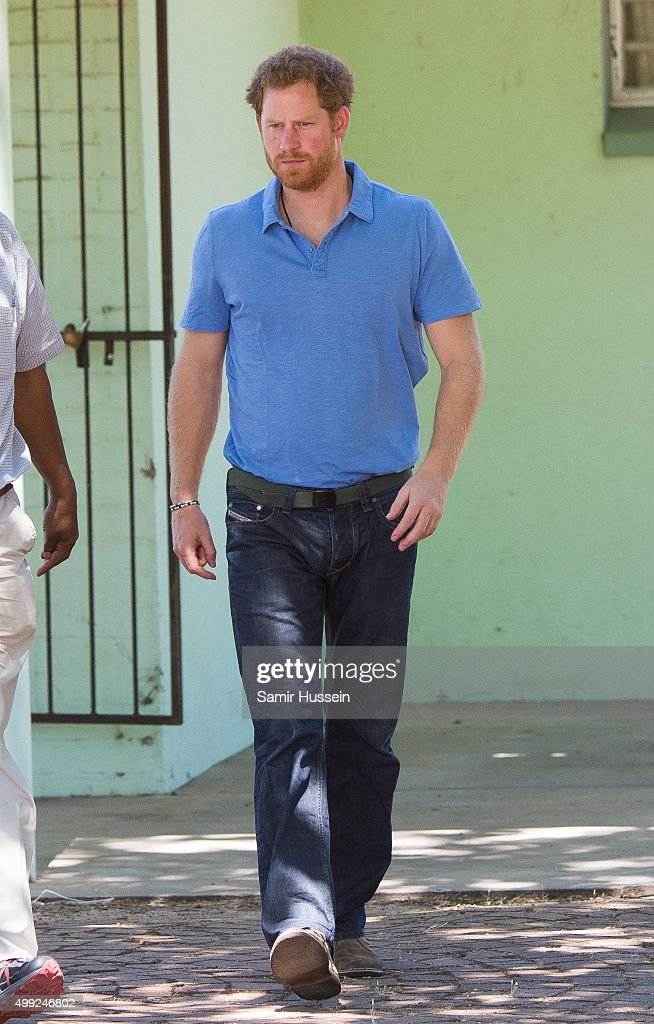 Prince Harry Visits Africa - Day 3 : ニュース写真