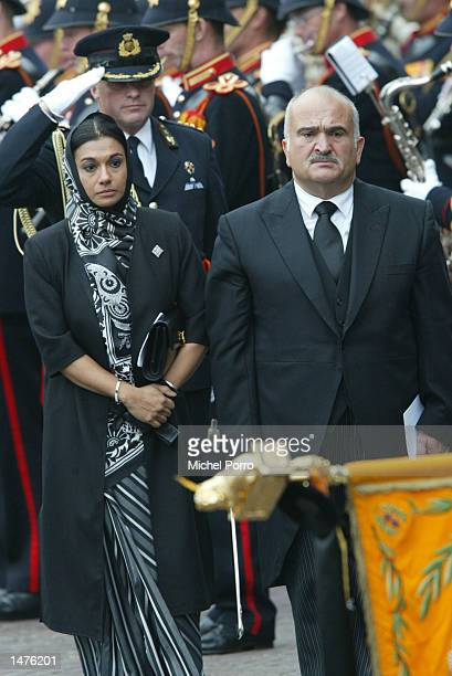 Prince Hassan bin Tallal and Princess Sarvath El Hassan Jordania bow to the Dutch Royal standard after the funeral of Prince Claus of the Netherlands...