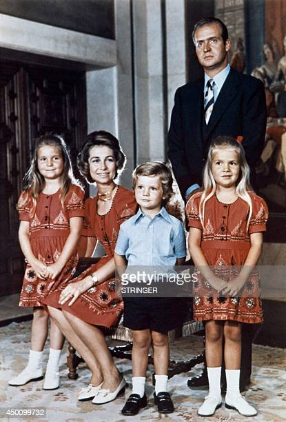 Prince Juan Carlos of Spain and Princess Sofia of Greece pose with their children Princess Elena Prince Felipe and Princess Cristina in Madrid in...