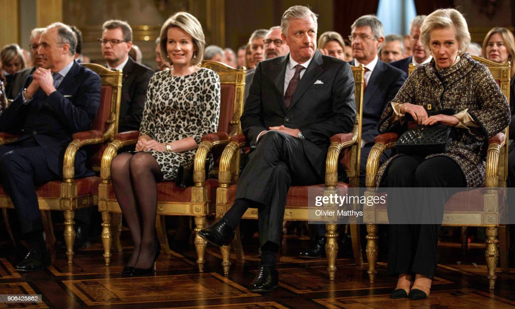 King Philippe Of Belgium and Queen Mathilde Receive the Belgian Authorities At the Royal Palace in Brussels : Nachrichtenfoto