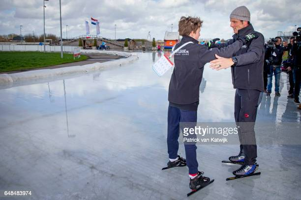 Prince Maurits and his son Lucas of The Netherlands at the Hollandse 100 ice skating and cycling fund raising event at Flevonice on March 5 2017 in...