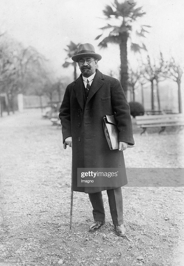 Prince Mohammad Ali Foroughi from Persia at the League of Nations conference in Lugano. Switzerland. Photograph. 1928. (Photo by Imagno/Getty Images) Prinz Mohammad Ali Foroughi aus Persien bei der Völkerbund Tagung in Lugano. Schweiz. Photographie. 1928.