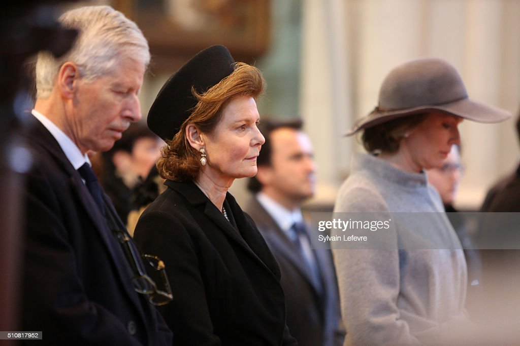 Belgium Royal Family Attends A Mass At Notre Dame Church In Laeken : News Photo
