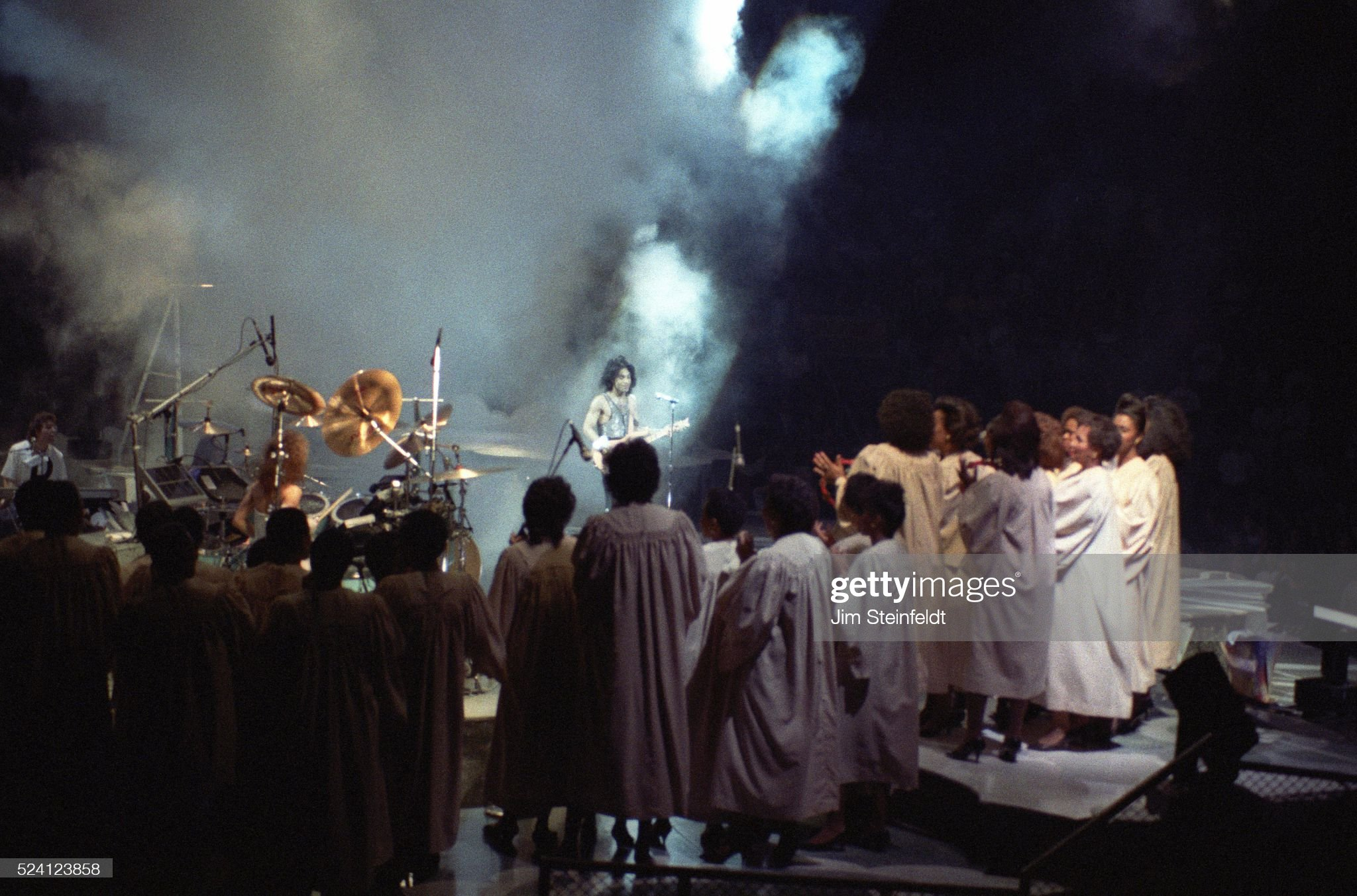 prince-performs-during-the-lovesexy-tour-at-the-met-center-in-on-picture-id524123858?s=2048x2048