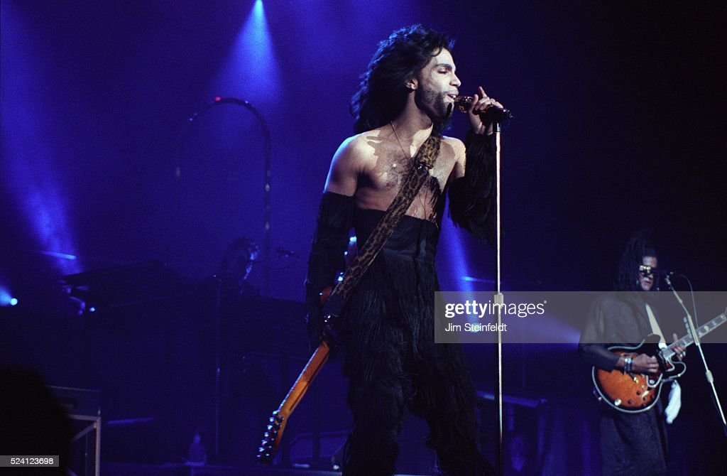prince-performs-during-the-nude-tour-at-the-st-paul-civic-center-in-picture-id524123698?k=6&m=524123698&s=612x612&w=0&h=m_UzJa2sOt5Uxm67TCdVAK8SL1w6yjIQz3Kc0IXoggU=