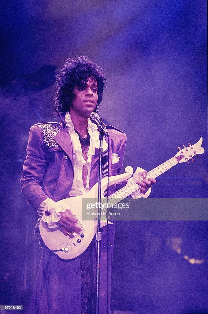 Archive Entertainment On Wire Image: Prince