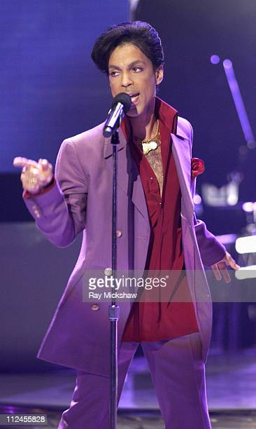 """Prince performs """"Lolita""""/""""Satisfied"""" during """"American Idol"""" Season 5 - Finale - Results Show at Kodak Theater in Hollywood, California, United States."""