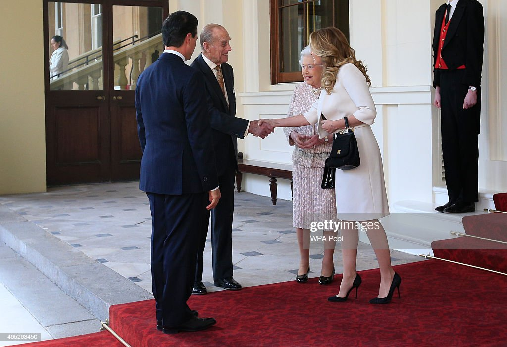 Prince Philip, Duke of Edinburgh (2L) bids farewell to Mexico's First Lady Angelica Rivera (R) as Queen Elizabeth II and Mexican President Enrique Pena Nieto look on at Buckingham Palace on March 5, 2015 in London, England. Today is the final day of the Mexican President's visit to the UK and he will travel to Aberdeen to meet senior representatives of the gas and oil industry.