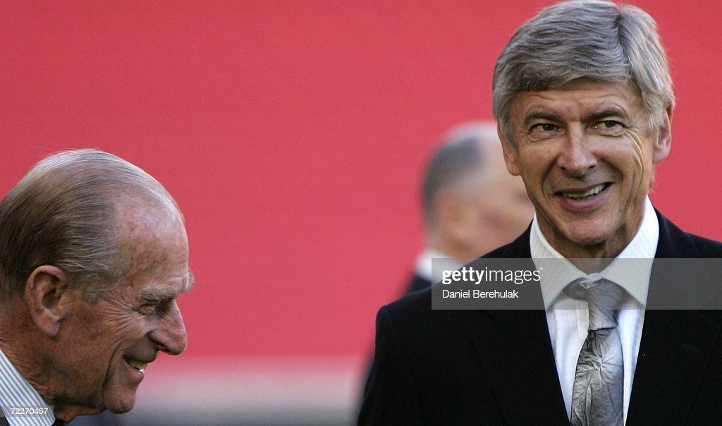 Duke of Edinburgh Opens The Arsenal Emirates Stadium : Photo d'actualité