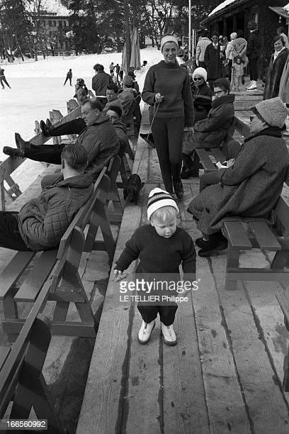 Prince Philippe Of Belgium And Bernadette Deswaef His Nurse Klosters 1er mars 1962 Le prince PHILIPPE DE BELGIQUE en vacances d'hiver coiffé d'un...