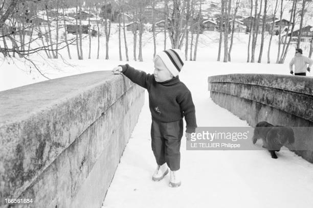 Prince Philippe Of Belgium And Bernadette Deswaef His Nurse Klosters 1er mars 1962 Dans un paysage enneigé portrait du prince PHILIPPE DE BELGIQUE en...