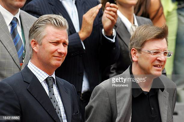 JUNE 4 2005 Prince Philippe of Belgium and Guy Verhofstadt at the grand slam finals of Roland Garros