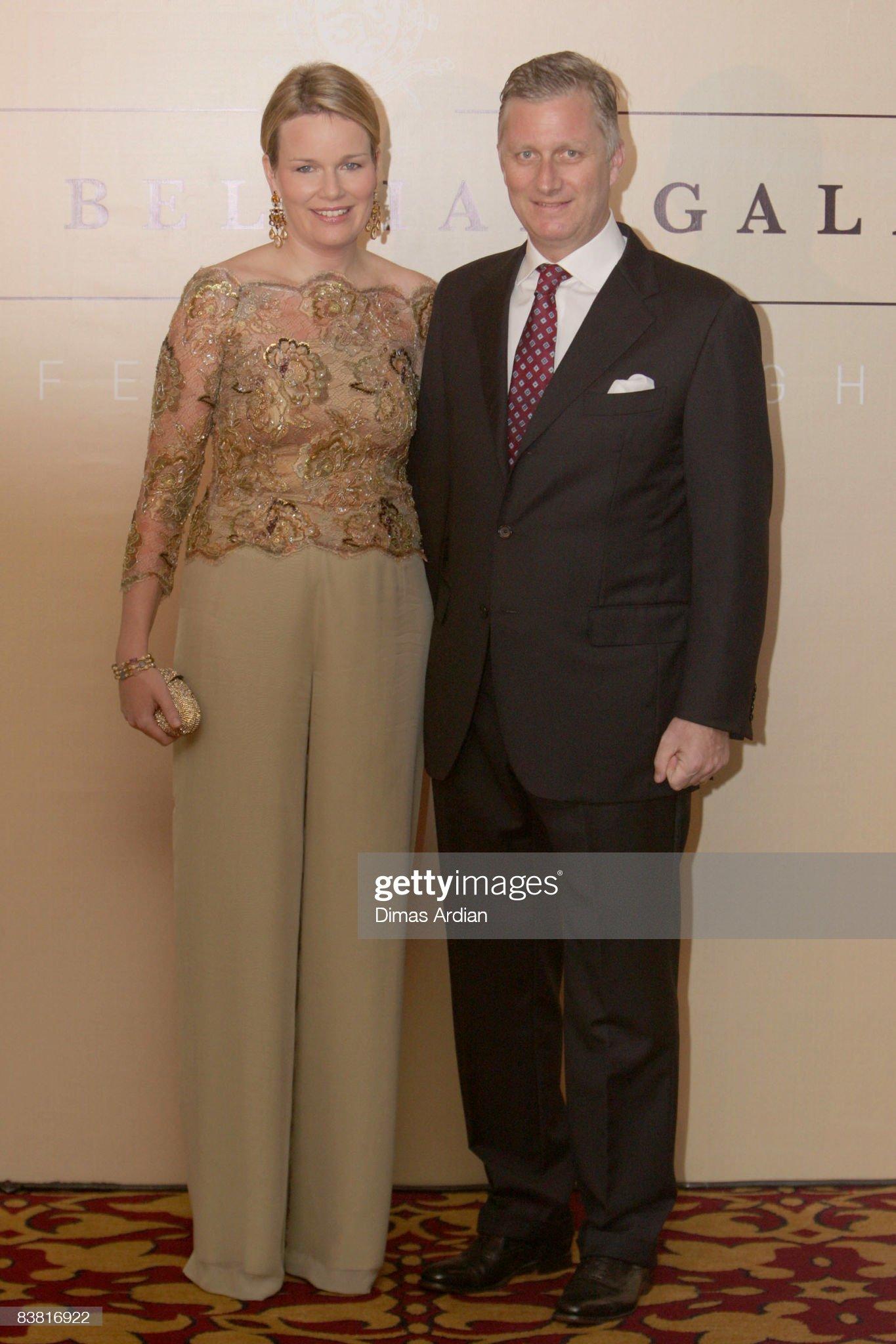 Вечерние наряды Королевы Матильды Belgium Royals Preside At Belgian Economic Mission To Indonesia - Day 4 : News Photo
