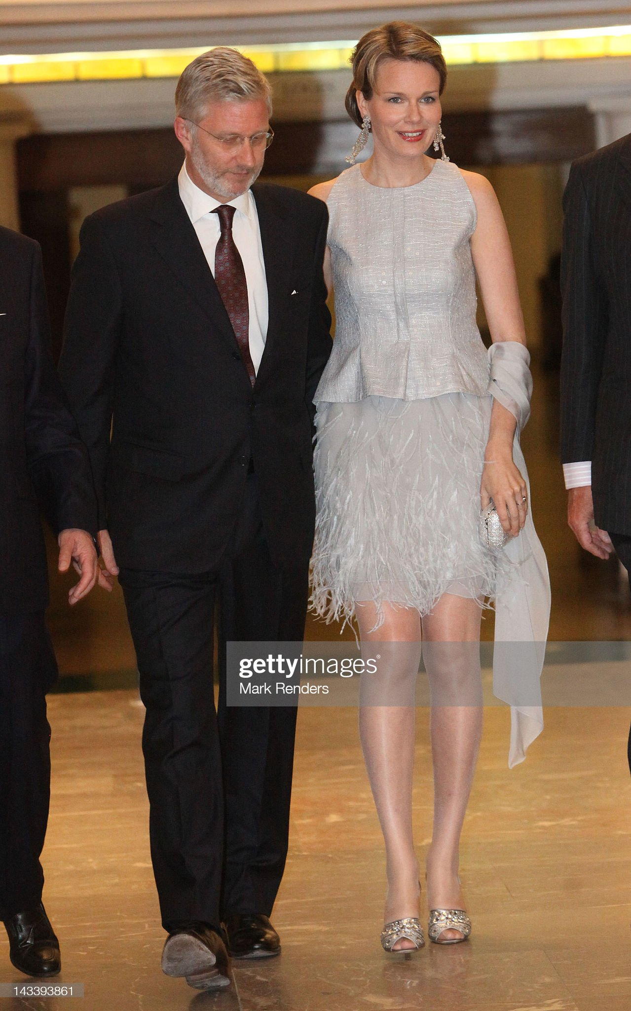 Вечерние наряды Королевы Матильды Prince Philippe And Princess Mathilde Of Belgium Attend 10th European Business Summit Gala Dinner : News Photo