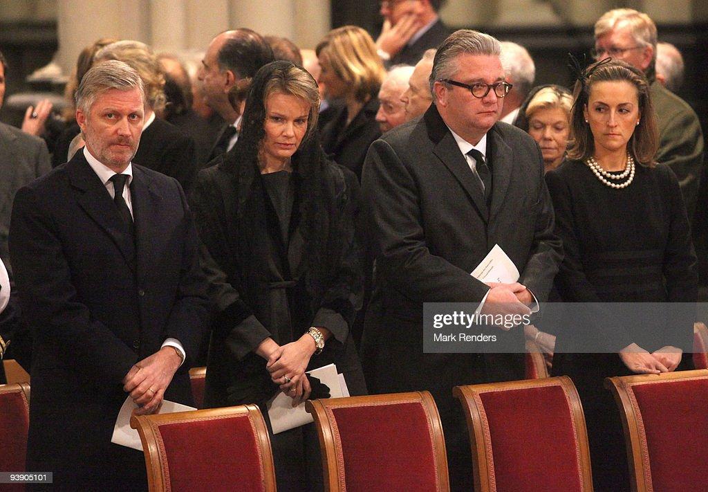 Prince Philippe of Belgium, Princess Mathilde of Belgium, Prince Laurent of Belgium and Princess Claire of Belgium attend the funeral of Prince Alexandre of Belgium at Eglise Notre-Dame de Laeken on December 4, 2009 in Laeken, Belgium.