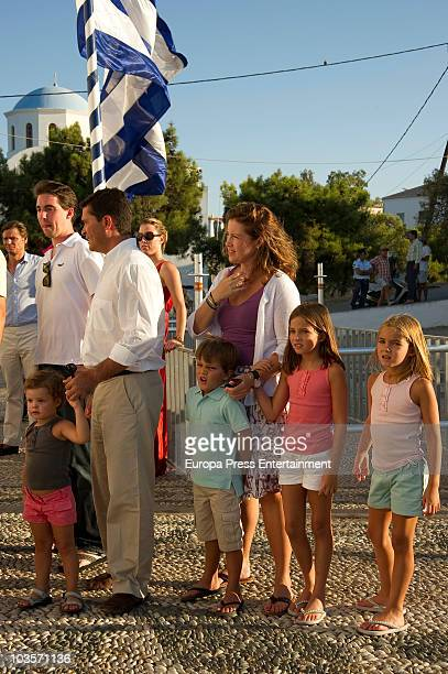 Prince Philippos Carlos Morales Alexia of Greece and her kids Amelia Morales Carlos Morales jr Arrieta Morales AnnaMaria Morales on August 24 2010 in...