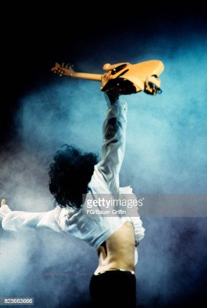 Prince plays his Sign O The Times concert at the Palais Omnisports in Paris on June 29 2017 in Paris France 170612F1