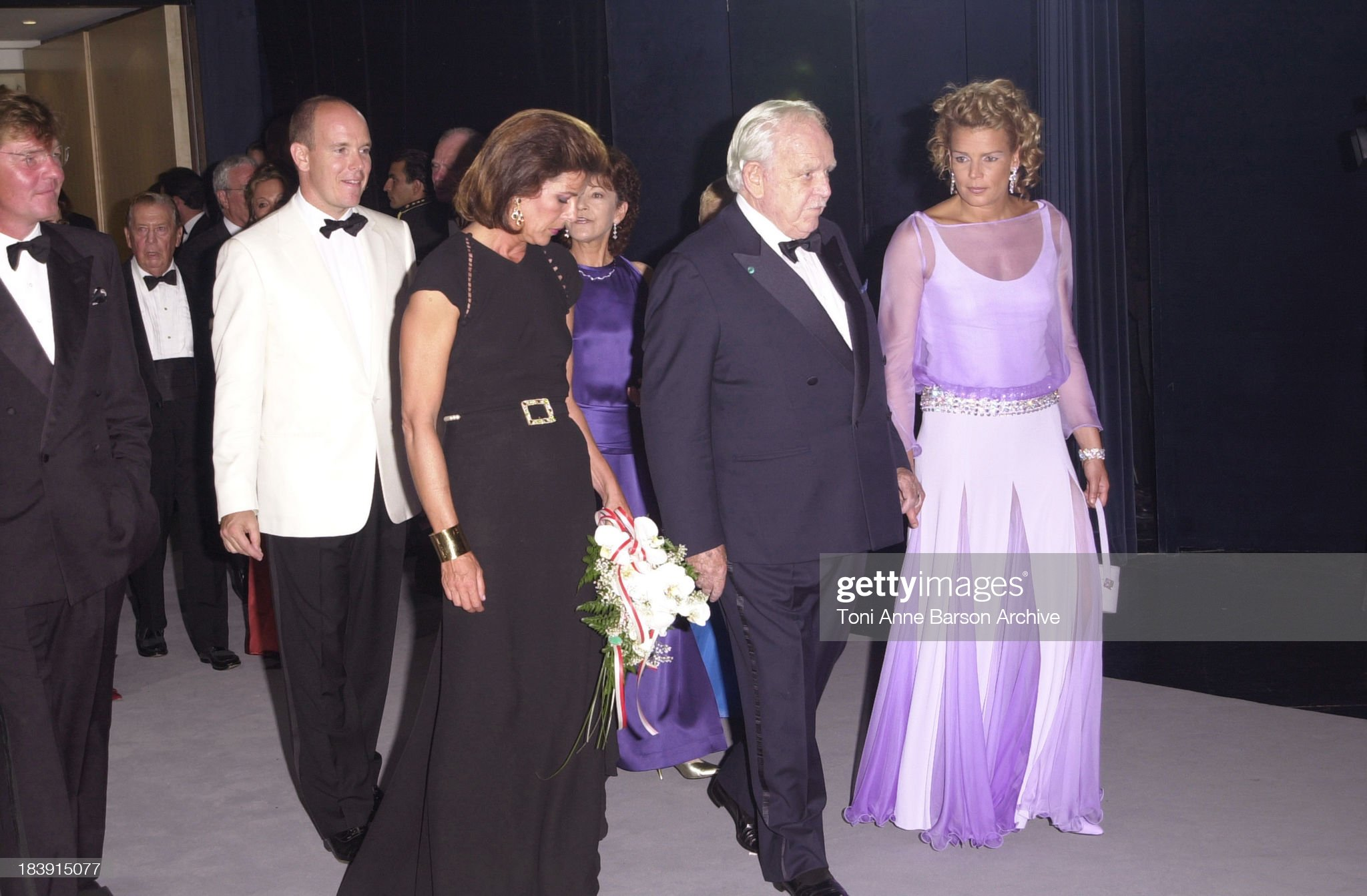 Red Cross Ball 2001- Ball Opening : News Photo