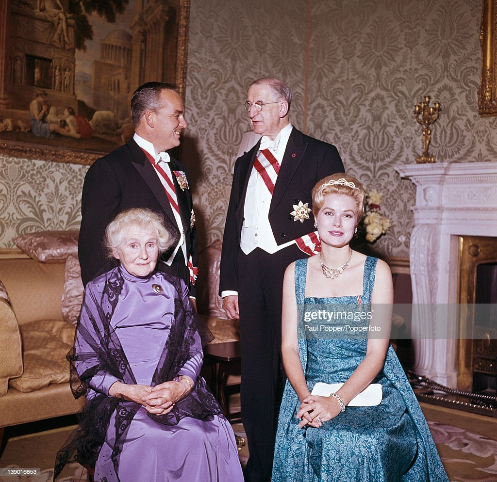 Prince Rainier III of Monaco and his wife, former American actress Grace Kelly (1929 - 1982) with Irish President Eamon de Valera (1882 - 1975) and his wife Sinead de Valera during a State Visit to Ireland, 1961.
