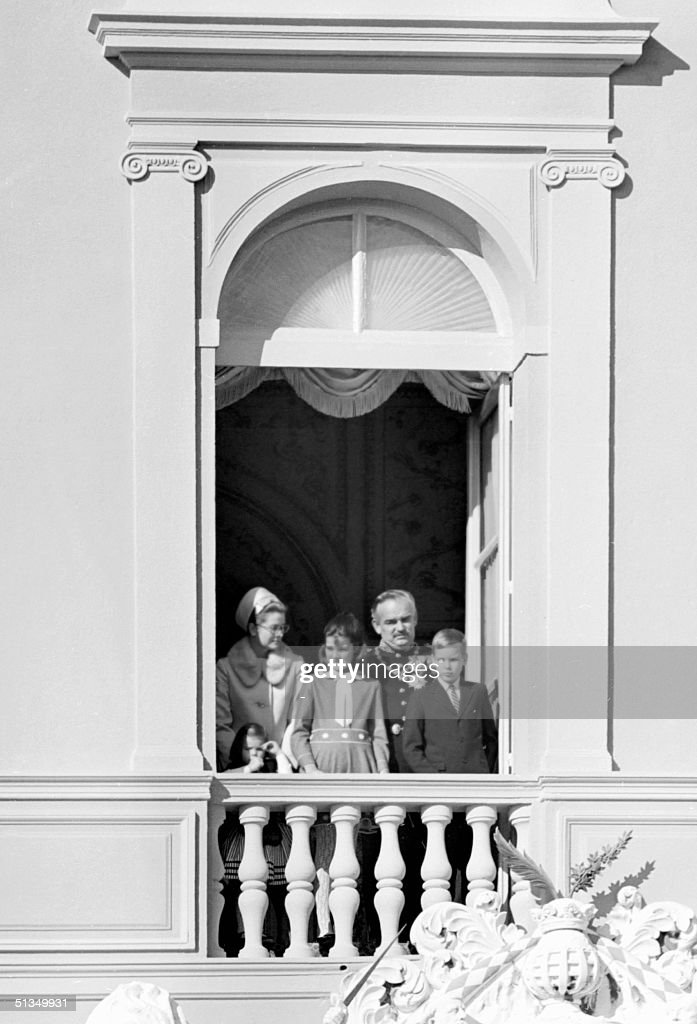 Prince Rainier III of Monaco, his wife Princess Grace and their children Prince Albert (R), Princess Caroline (C) as well as Princess Stephanie (L) stand at the balcony of the palace in Monte Carlo 19 November 1968 during the principality's national day. Rainier III married 16 April 1956 in Monaco US actress Grace Kelly.