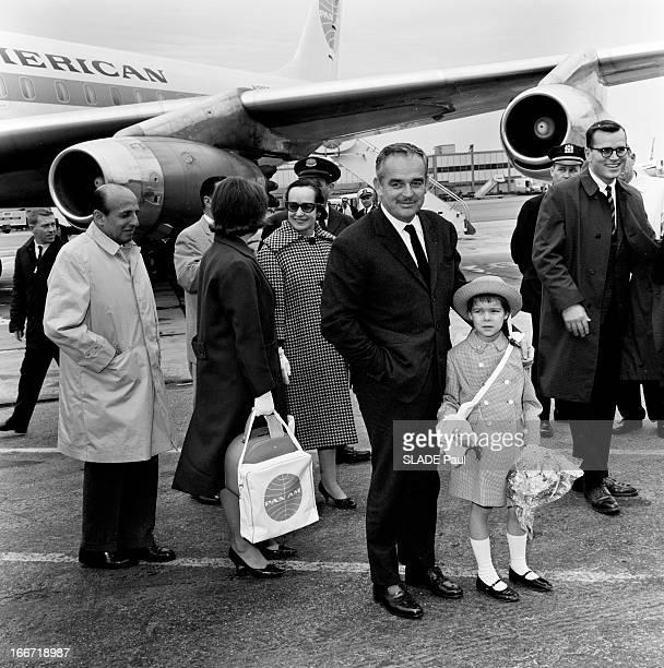 Prince Rainier Iii Of Monaco Princess Grace And Their Children Travelling In The United States EtatsUnis 20 Avril 1963 Voyage de la famille princière...