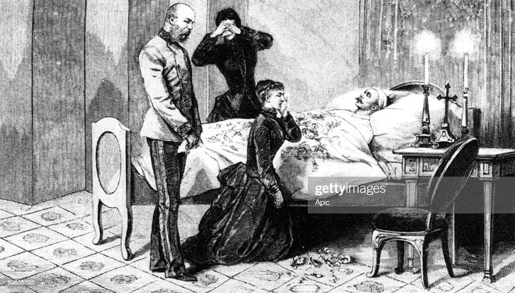 Prince Rudolf of Habsburg (1858-1889) Archduke and crown prince of Austria , only son of emperor FrancoisJoseph , here on his death bed after he committed suicide with his mistress Marie-de-Vetsera january 30, 1889 (Mayerling affair), surrounded with hi : News Photo