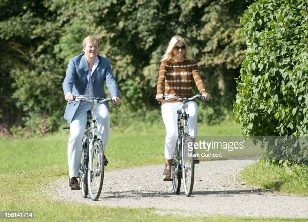 Prince Willem Alexander Of Netherlands And Princess Maxima Of Netherlands At A Photocall On The Horsten Estate In Wassenaar Near The Hague In Holland.