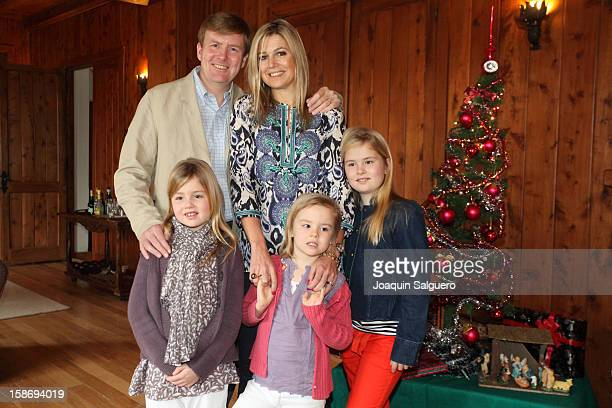 Prince Willem Alexander of Netherlands and Princess Maxima of Netherlands pose with their daughters Princess Alexia of Netherlands Princess...
