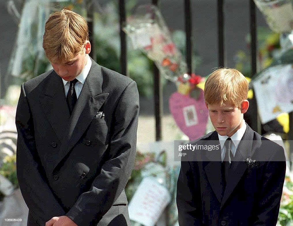 Prince William (left) and Prince Harry, : News Photo