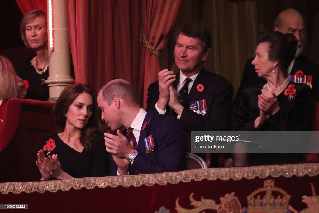 CASA REAL BRITÁNICA - Página 79 Prince-william-duke-of-cambridg-catherine-duchess-of-cambridge-anne-picture-id1060013222