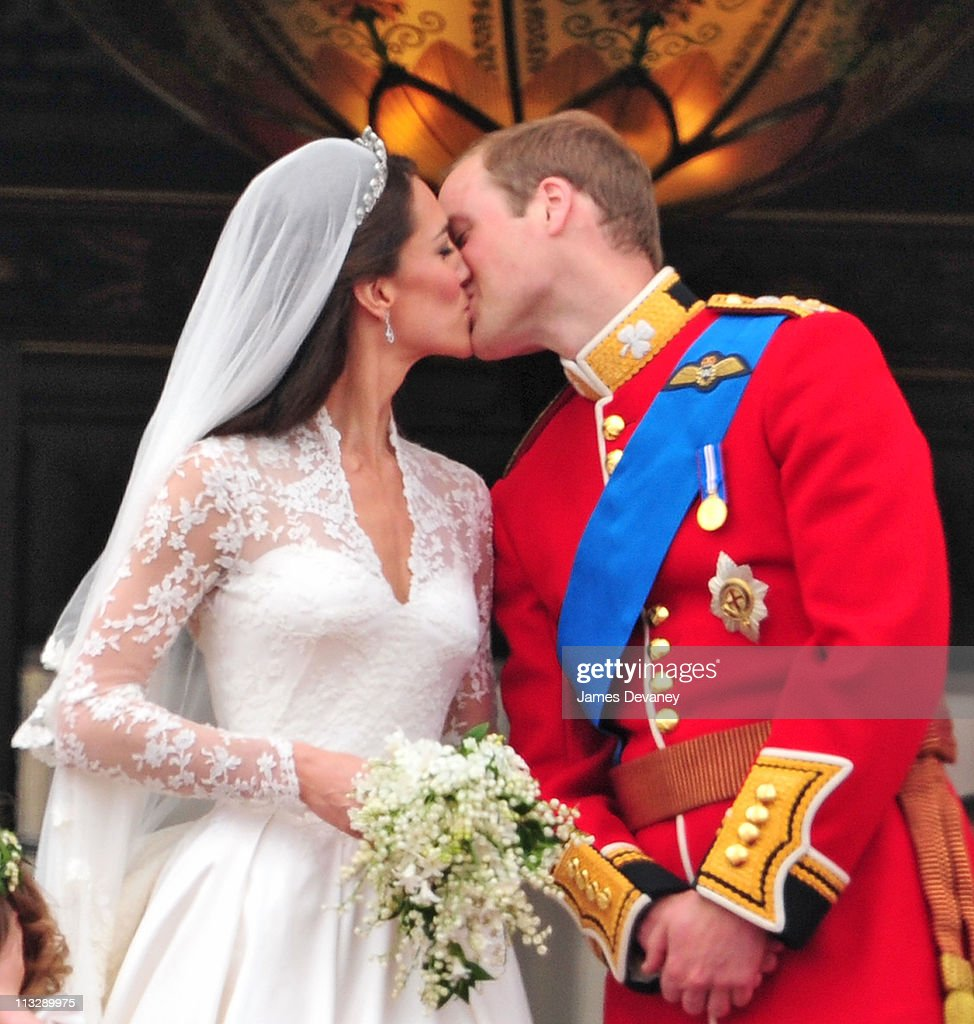 The Wedding of Prince William with Catherine Middleton - Procession : News Photo