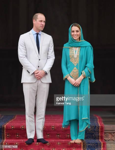 Prince William, Duke of Cambridge and Catherine, Duchess of Cambridge visit the Badshahi Mosque on October 17, 2019 in Lahore, Pakistan. The Badshahi...