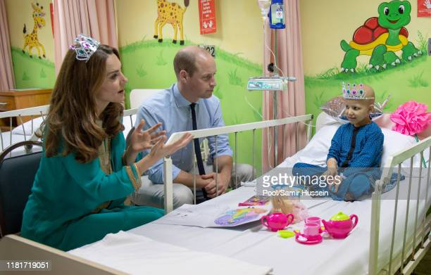 Prince William Duke of Cambridge and Catherine Duchess of Cambridge visit the Shaukat Khanum Memorial Cancer Hospital on October 17 2019 in Lahore...
