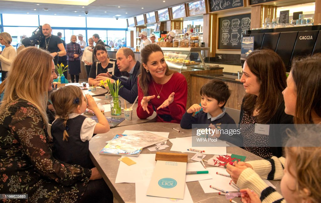 The Duke And Duchess Of Cambridge Visit South Wales : Nyhetsfoto