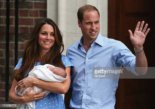 OUT] Prince William Duke of Cambridge and Catherine Duchess of Cambridge depart The Lindo Wing with their newborn son at St Mary's Hospital on July...